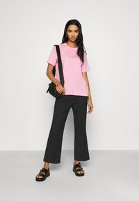 Monki - WENDY TROUSERS - Trousers - black - 1