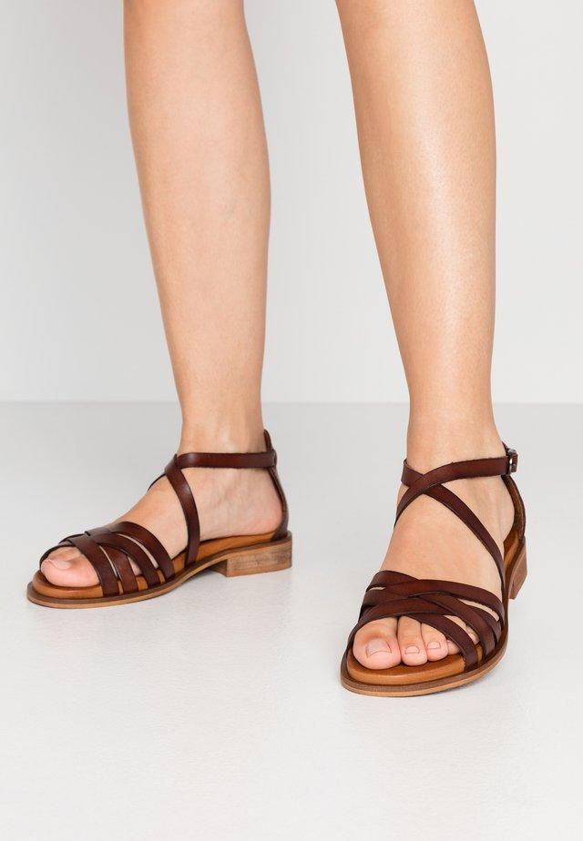 CALA - Sandali - brown