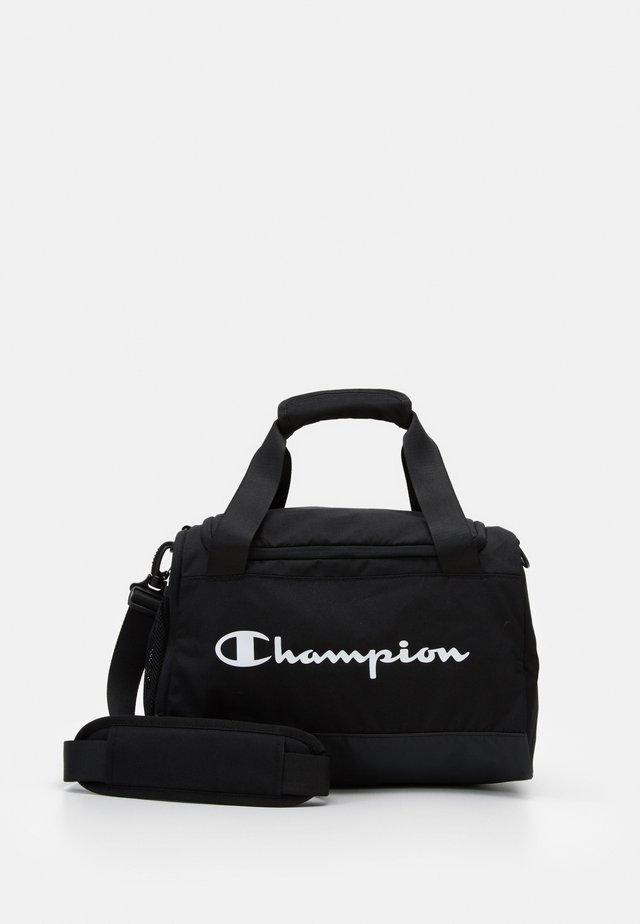 LEGACY XS DUFFEL - Sportovní taška - black