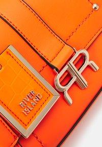 River Island - Käsilaukku - orange - 3