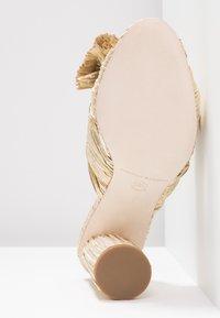 Loeffler Randall - PENNY KNOT MULE - Pantofle na podpatku - gold - 6