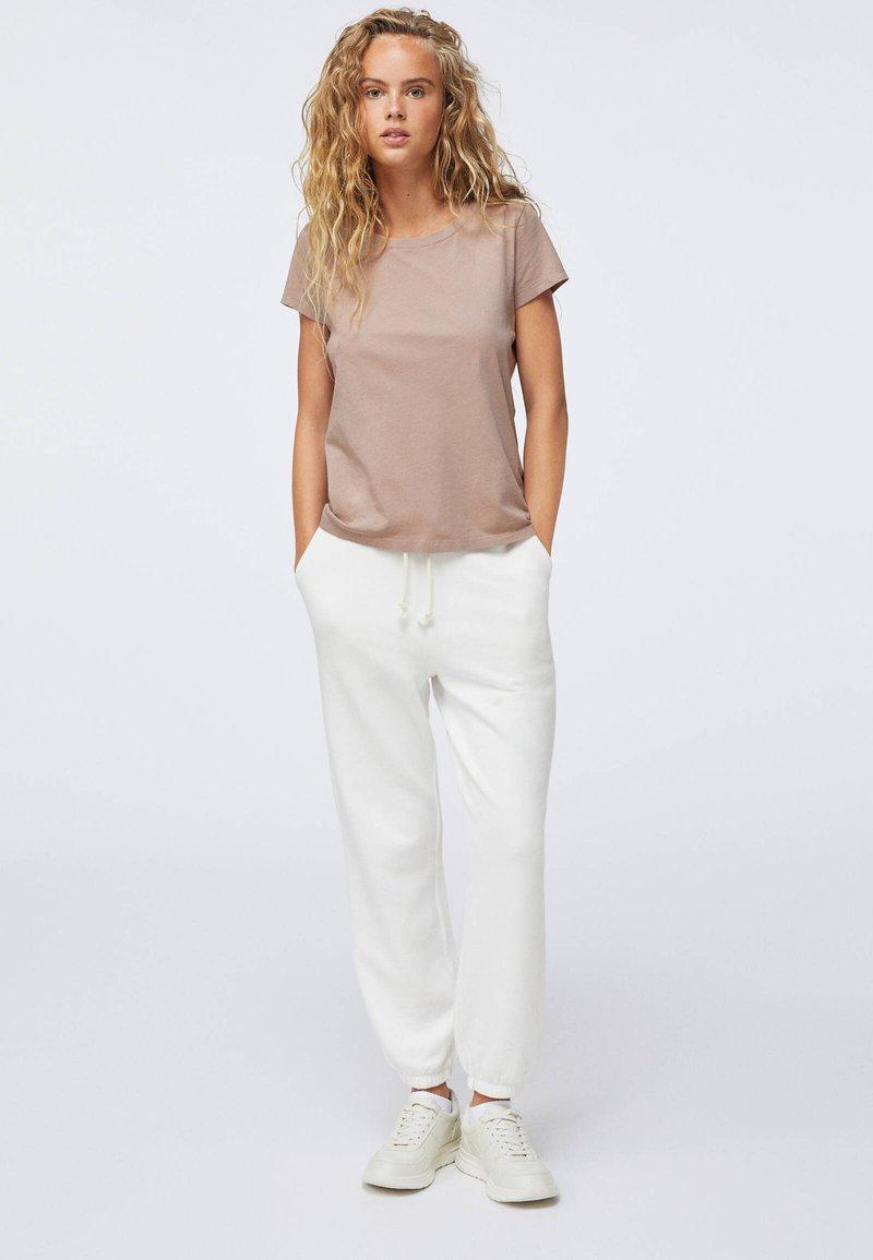 OYSHO T-Shirt basic - beige j54ptU