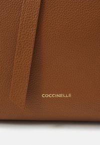 Coccinelle - JOY - Tote bag - caramel - 5