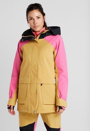 BLAZE JACKET - Snowboard jacket - sand