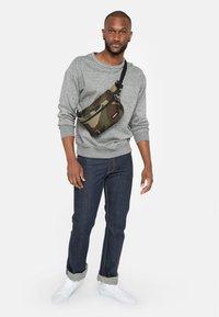 Eastpak - BANE CORE COLORS  - Bum bag - khaki - 0