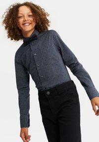 WE Fashion - MET BLIKSEM DESSIN - Shirt - dark grey - 1