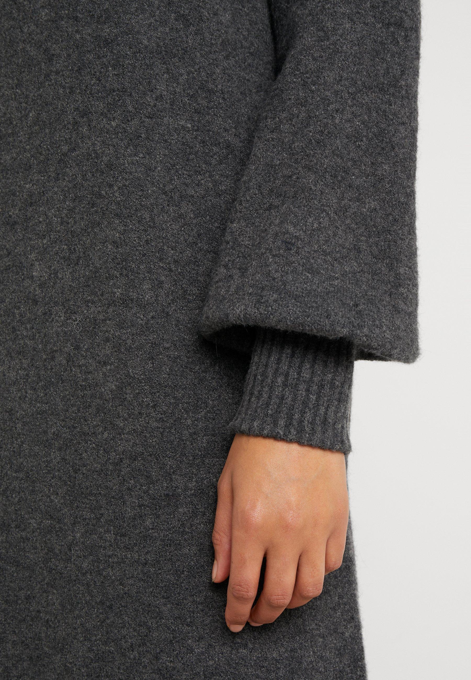 J.CREW SUPERSOFT TURTLENECK DRESS - Strikket kjole - black