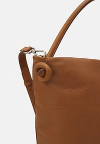 Marc O'Polo - PINA - Handbag - true camel - 3
