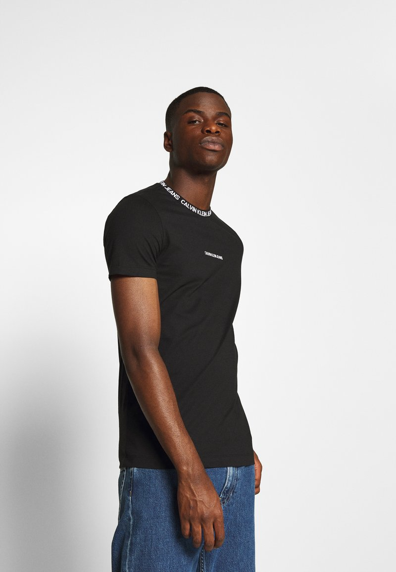Calvin Klein Jeans - INSTITUTIONAL COLLAR LOGO - Print T-shirt - black