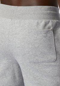 New Balance - ESSENTIALS - Tracksuit bottoms - grey - 2
