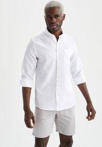 DeFacto - Camisa elegante - white - 0