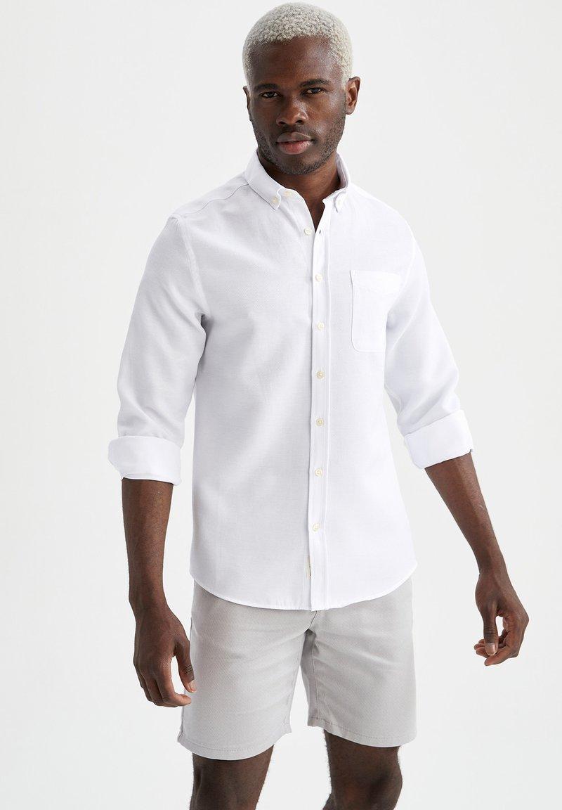 DeFacto - Camisa elegante - white