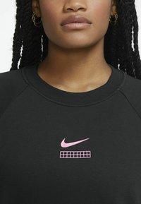 Nike Sportswear - Sweatshirt - black/hyper pink - 3
