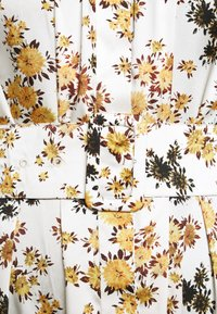 Victoria Victoria Beckham - TIE SLEEVE DRESS - Shirt dress - ditsy mustard - 8