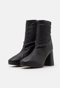 Repetto - PONY - High heeled ankle boots - noir - 2