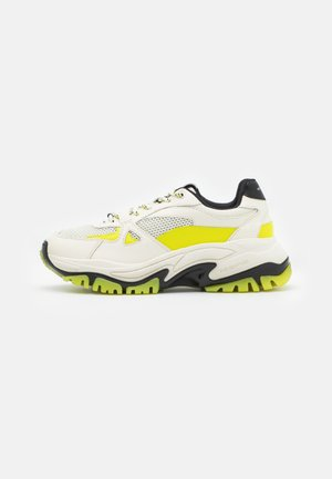 ACCESS SHOES - Trainers - white/yellow