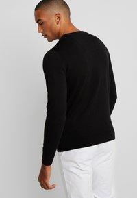 TOM TAILOR - V NECK  - Pullover - black - 2