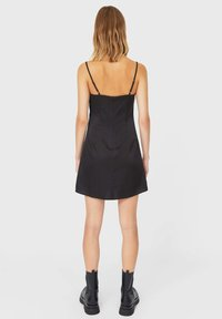 Stradivarius - KURZES SATIN - Day dress - black - 2