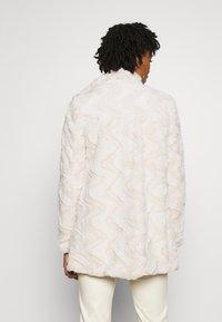 Vero Moda - VMCURL HIGH NECK JACKET - Winter coat - birch - 2