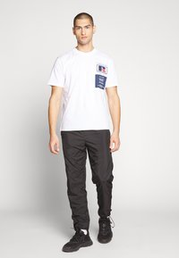 Russell Athletic Eagle R - SCOTT - T-shirt con stampa - white - 1