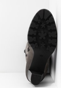 Anna Field Select - LEATHER PLATFORM BOOTS - Platform-saappaat - grey - 6