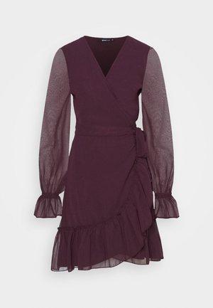 JULIANNA WRAP DRESS - Cocktail dress / Party dress - winetasting