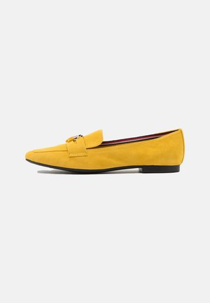 ESSENTIAL HARDWARE LOAFER - Mocassins - tuscan yellow