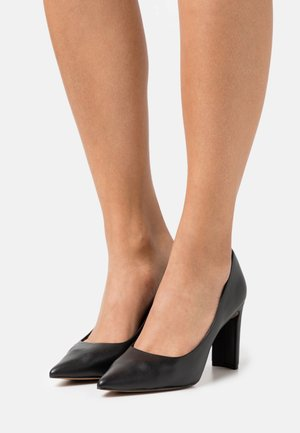BROOKSHEARD - Tacones - black