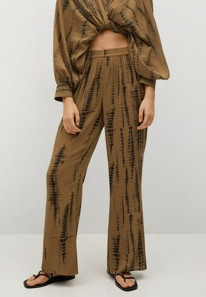 PANTALÓN FLUIDO - Straight leg jeans - marrón