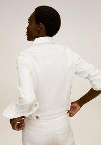 Mango - VICKY - Denim jacket - blanco - 1