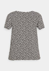 ONLY Carmakoma - CARFIRSTLY LIFE - T-shirts med print - black - 7