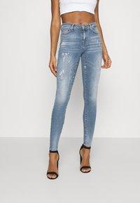 ONLY - ONLSHAPE LIFE - Jeans Skinny Fit - medium blue denim - 0