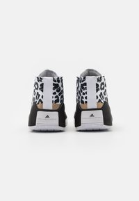 adidas by Stella McCartney - ASMC TREINO MID PRINTED - Sportovní boty - footwear white/core black/cloud white - 2