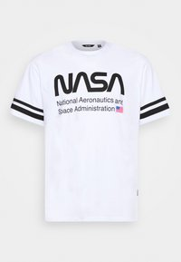 Only & Sons - ONSNASA STRIPE TEE PLUS - Print T-shirt - white - 3