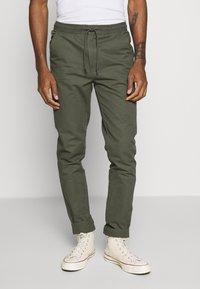 Burton Menswear London - SLIM WASHED - Trainingsbroek - khaki - 0