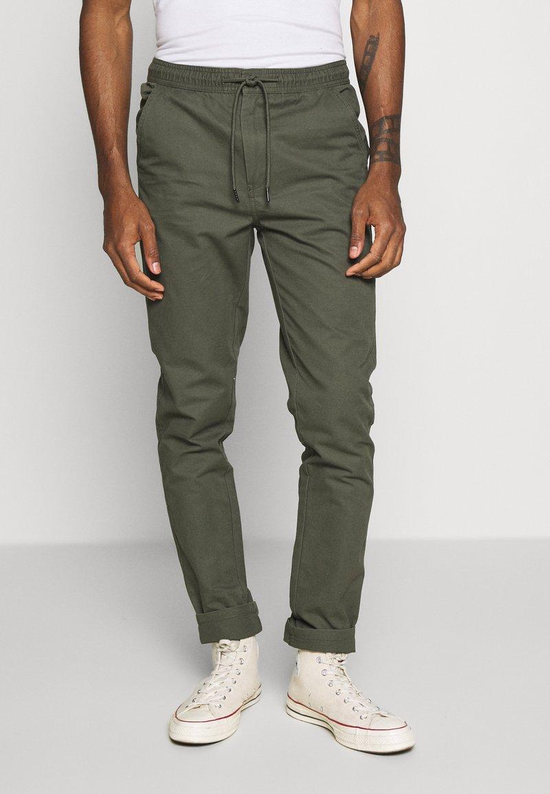 Burton Menswear London - SLIM WASHED - Trainingsbroek - khaki
