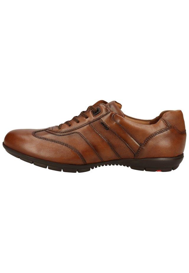Sneakers laag - cognac 13