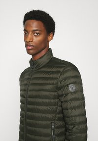 Marc O'Polo - REGULAR FIT - Light jacket - rosin - 3