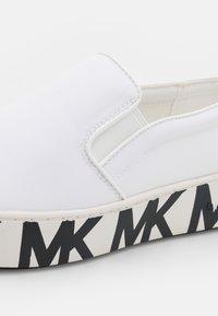 MICHAEL Michael Kors - TRENT  - Baskets basses - optic white - 6
