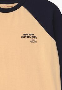 TINYCOTTONS - PRETZEL RIDE TEE UNISEX - Long sleeved top - cream/navy - 2