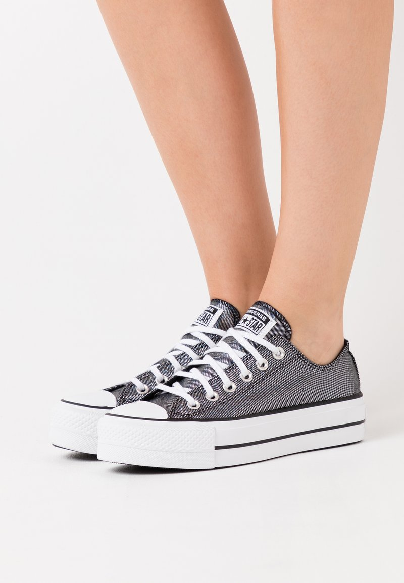 Converse - CHUCK TAYLOR ALL STAR LIFT - Zapatillas - chroma red/white
