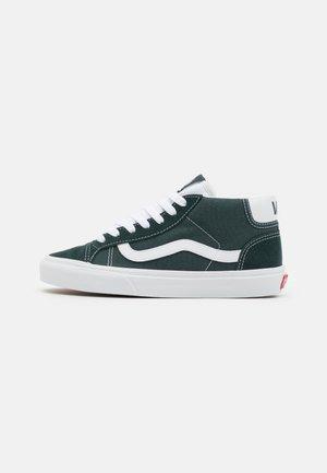 MID SKOOL 37 UNISEX - Sneakers hoog - darkest spruce/true white