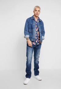 Pepe Jeans - CASH - Straight leg jeans - medium used powerflex - 1