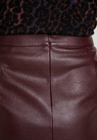Taifun - Blyantnederdel / pencil skirts - ruby wine - 5