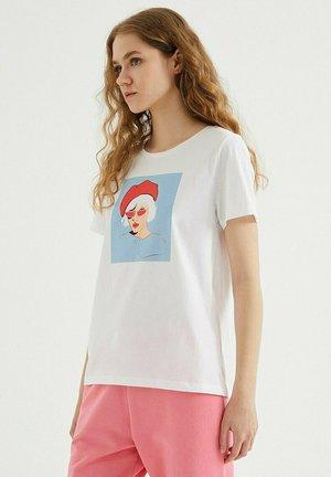 SUNGLASSES - T-shirt print - white