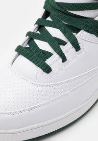 Ewing - 33 - Zapatillas altas - white/sycamore/biking red - 5