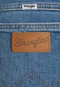 Wrangler - WORLD WIDE - Relaxed fit jeans - light blue denim - 5