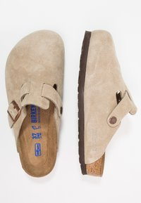 Birkenstock - BOSTON SOFT FOOTBED - Slippers - taupe - 1