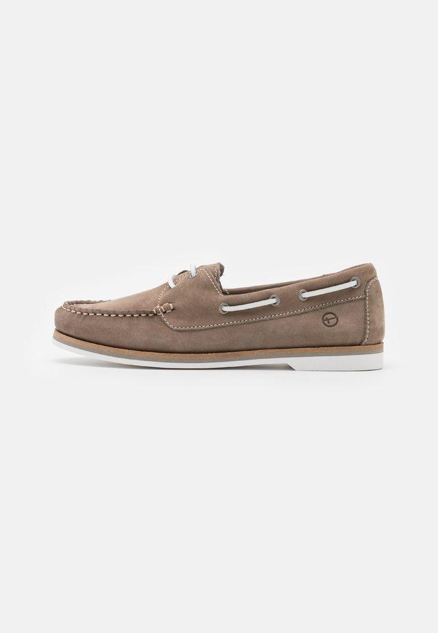 Chaussures bateau - smoke