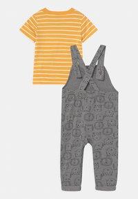 Carter's - LION SET - T-shirt print - grey/yellow - 1
